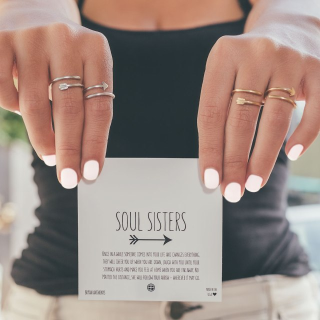 soul-sisters-rings-gold-silver-model